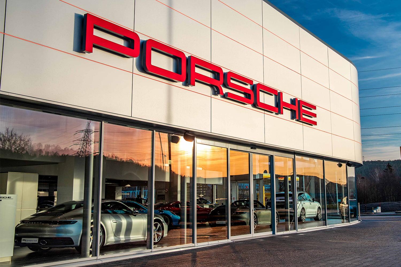 Porsche center fasade